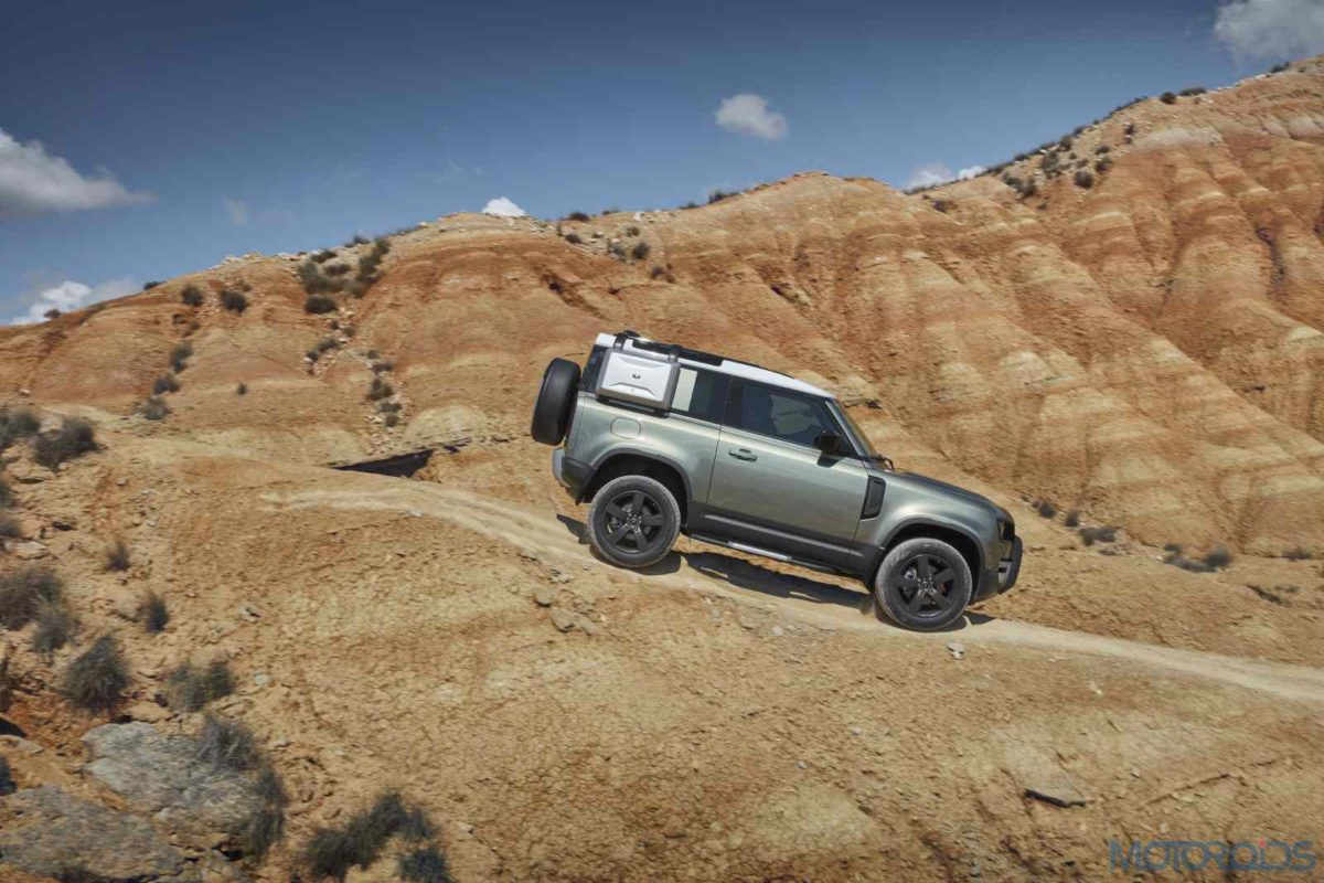 LR_DEF_90_20MY_Off Road_100919_14
