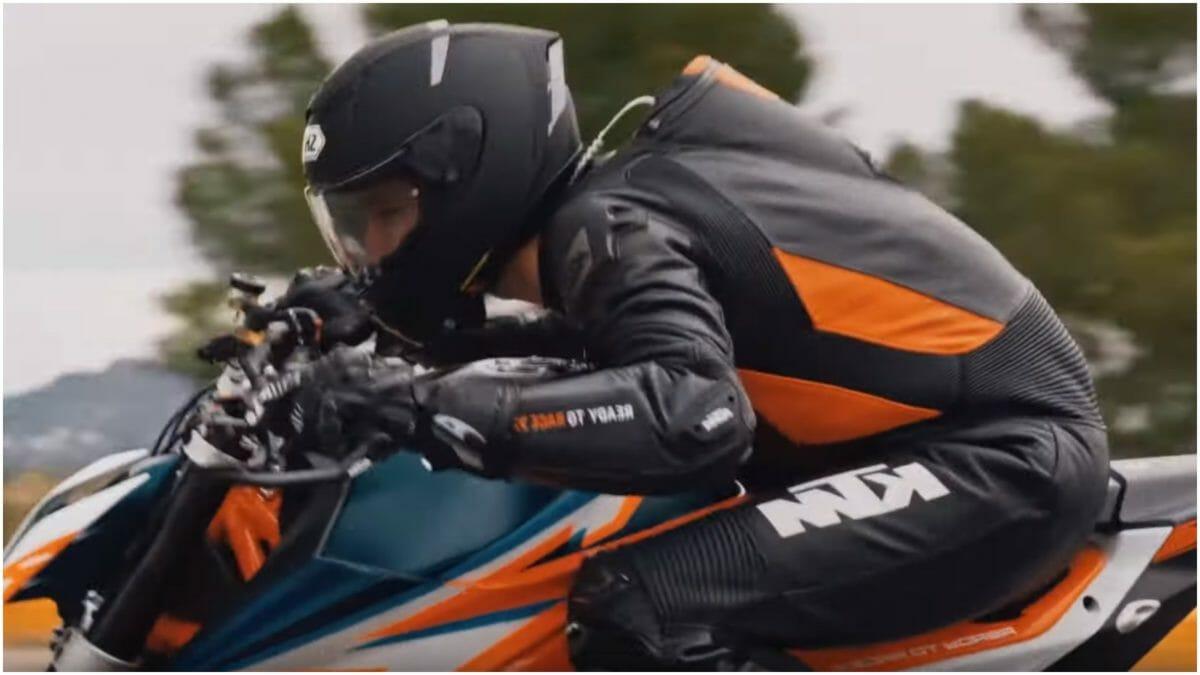 KTM 1290 Super Duke R teaser 2