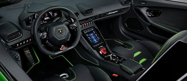 Lamborghini Huracan EVO Spyder cabin