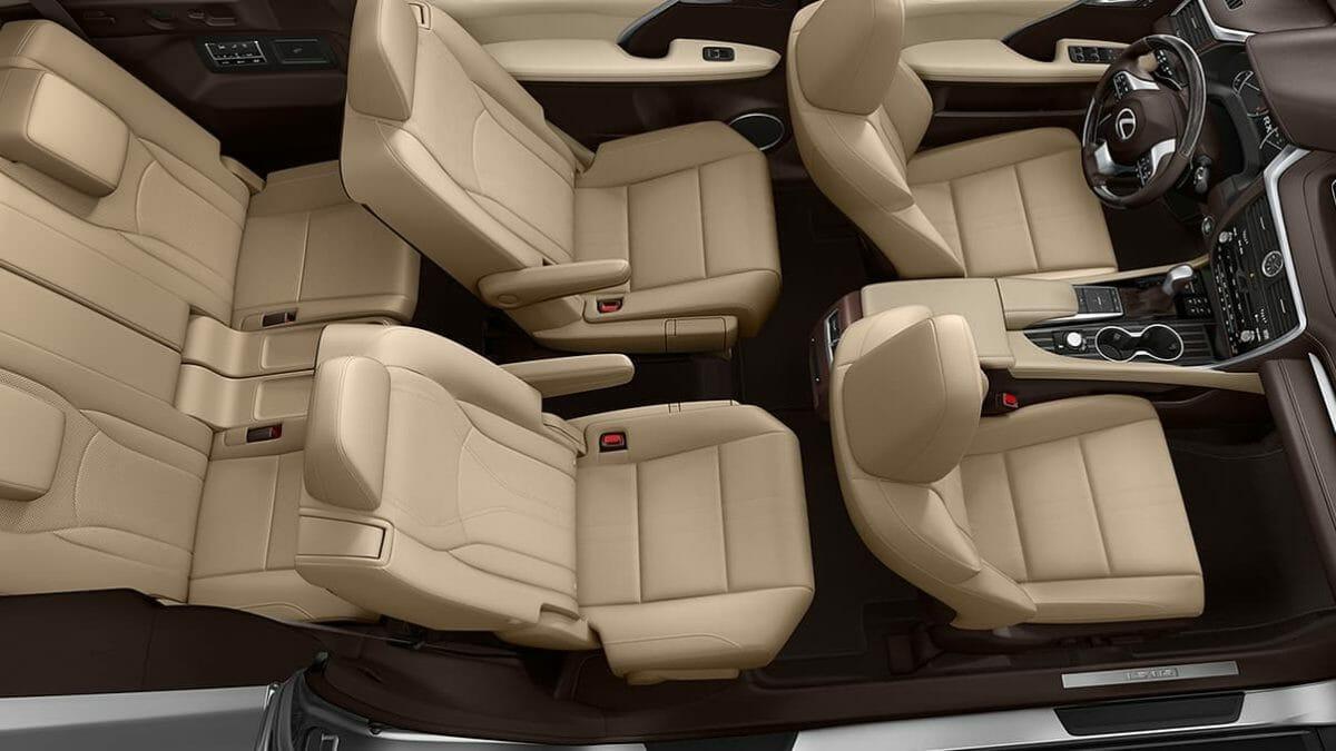 Lexus RX 450 hL cabin