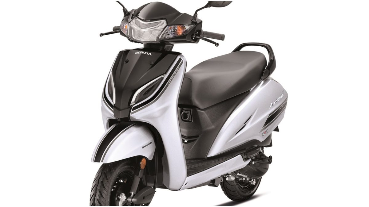 Limited Edition Honda Activa 5G_ Strontium Silver Metallic with Pearl Igneous Black