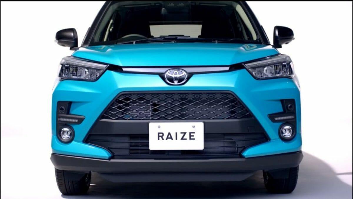 Toyota RAize front