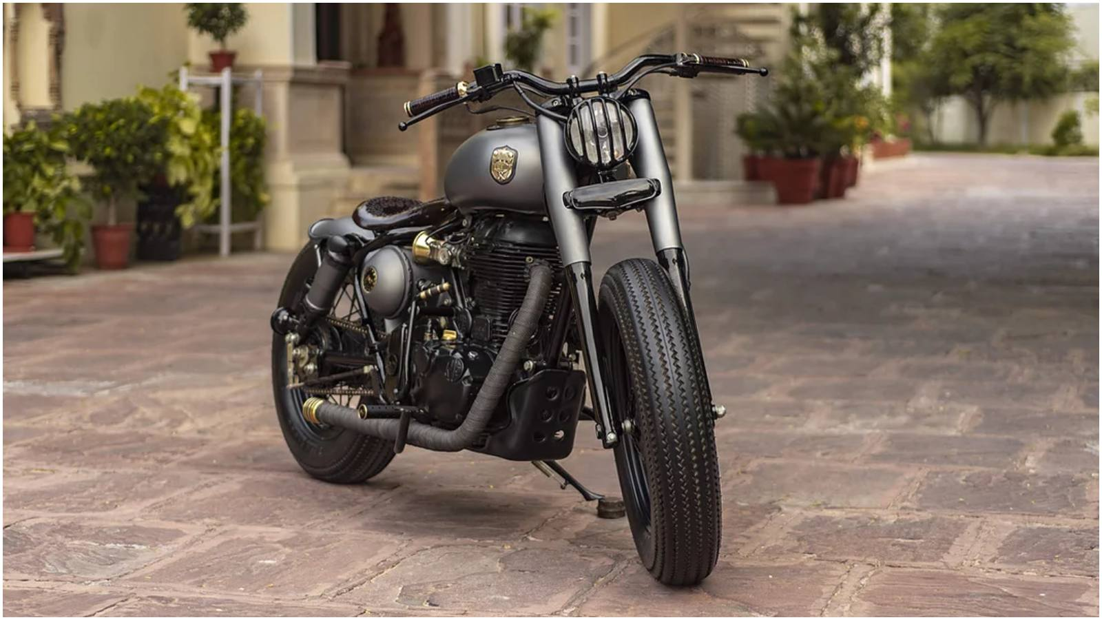 This Customized Royal Enfield Classic 500 Is Called Ranisa Motoroids