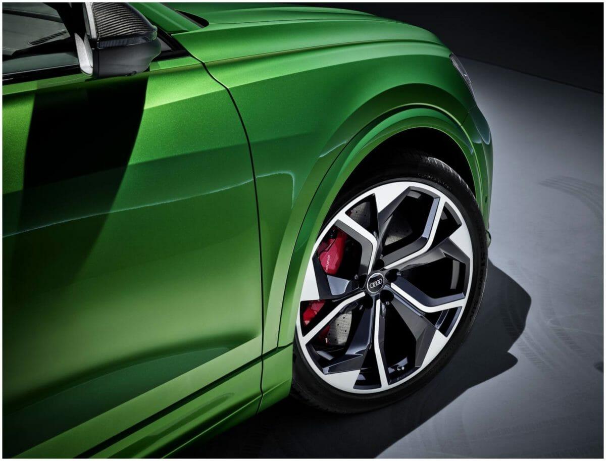 Audi RS Q8 14