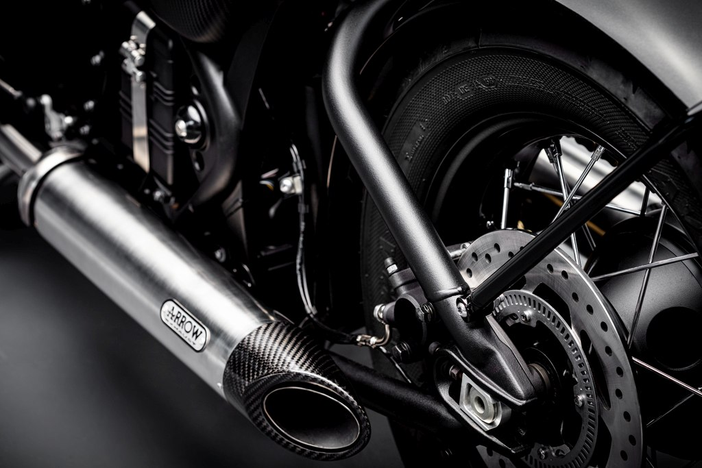 Bobber TFC–Arrow exhaust 2