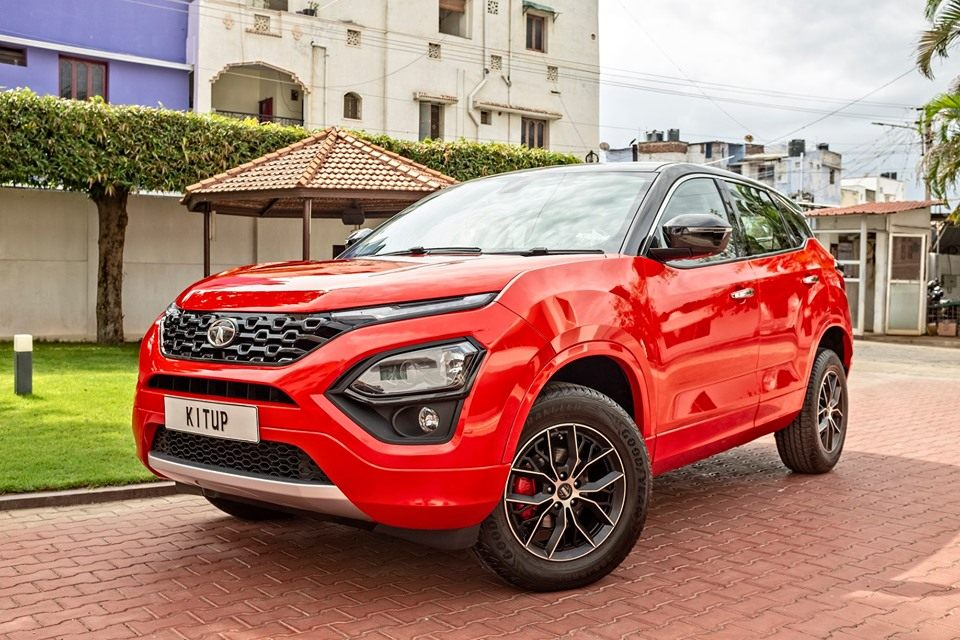 Tata Harrier Red side and front