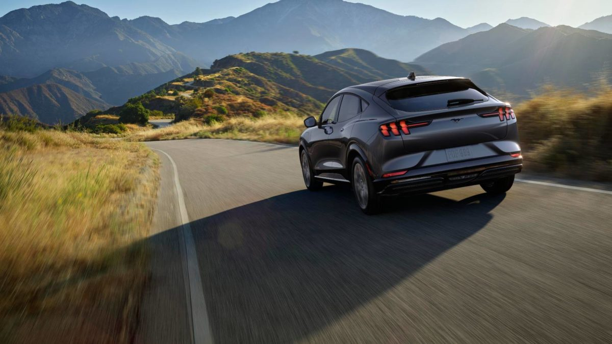ford mustang mach e 2021 14