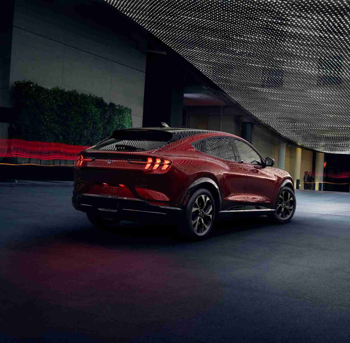 ford mustang mach e 2021 17
