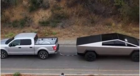 tesla cybertruck vs ford f-150 tug of war 2
