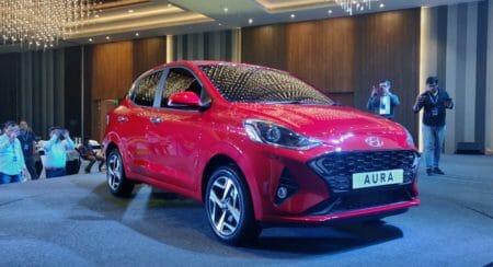Hyundai Aura sedan red (4)