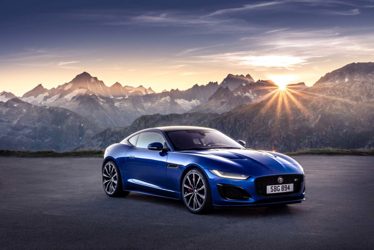 Jag_F TYPE_R_21MY_Velocity_Blue_Reveal_Switzerland_02.12.19_01