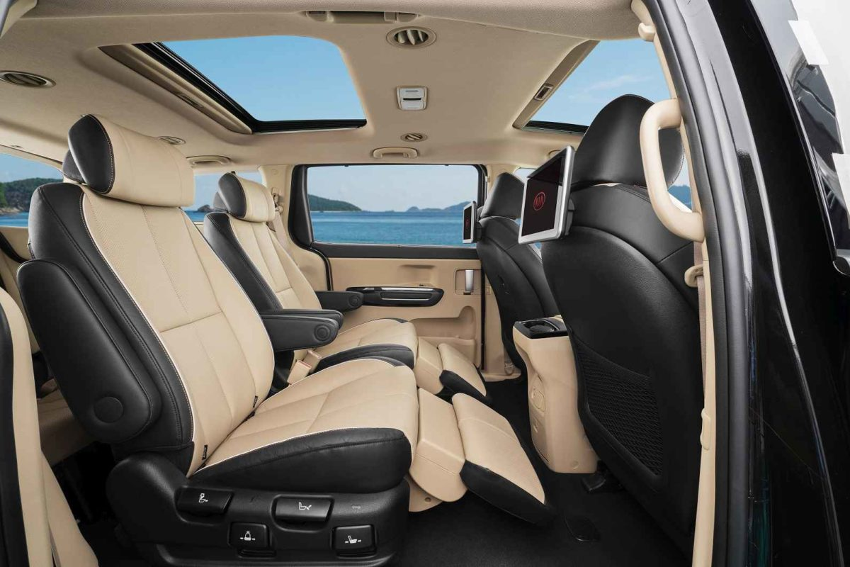 Kia Carnival India VIP Seats with recliner and RSE