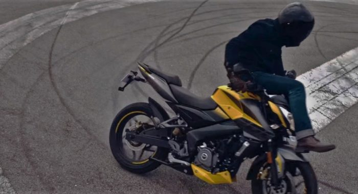 Watch The Bajaj Pulsar Celebrate Its 18th Anniversary With An 18-Year Old - Motoroids thumbnail