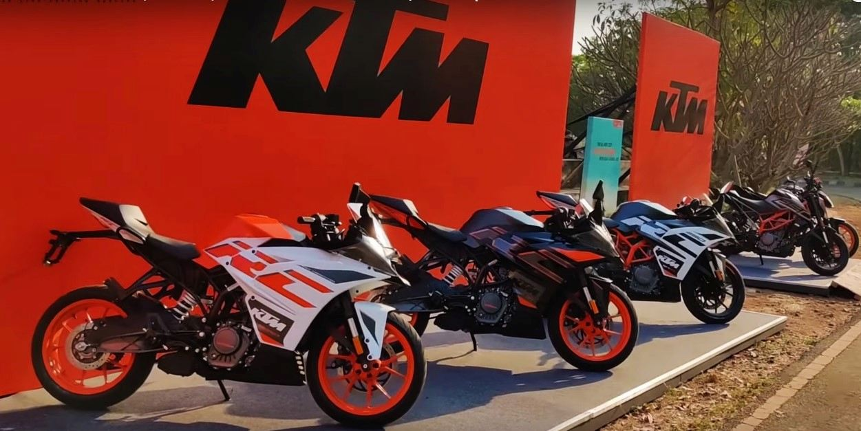 The New 2020 Ktm Rc Bs6 Range On Video Motoroids