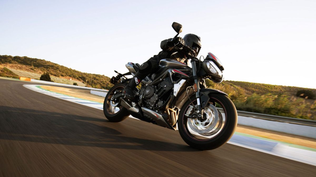 2020 Triumph Street Triple RS (2)