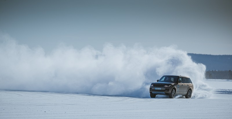 Range Rover celebrates 50th anniversary with classy snow art