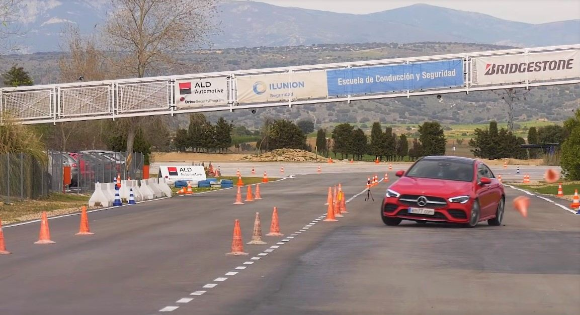 2020 Mercedes Benz CLA Moose Test Fail