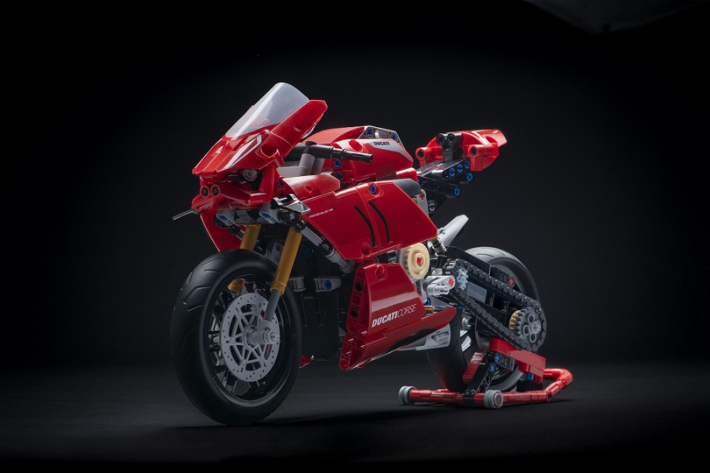 Lego goes Italian with the Ducati Panigale V4R