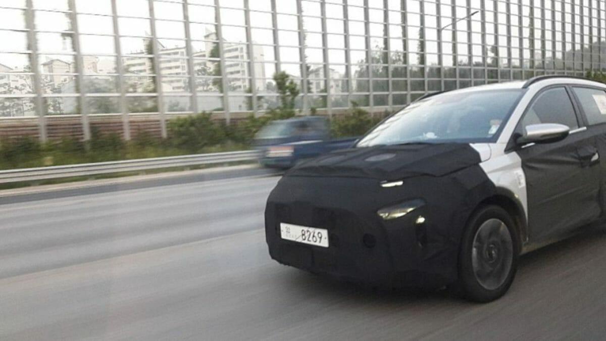Hyundai MPV (1)