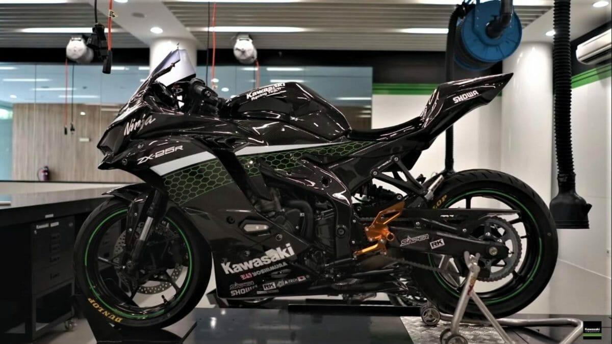 Kawasaki Ninja ZX 25R Carbon