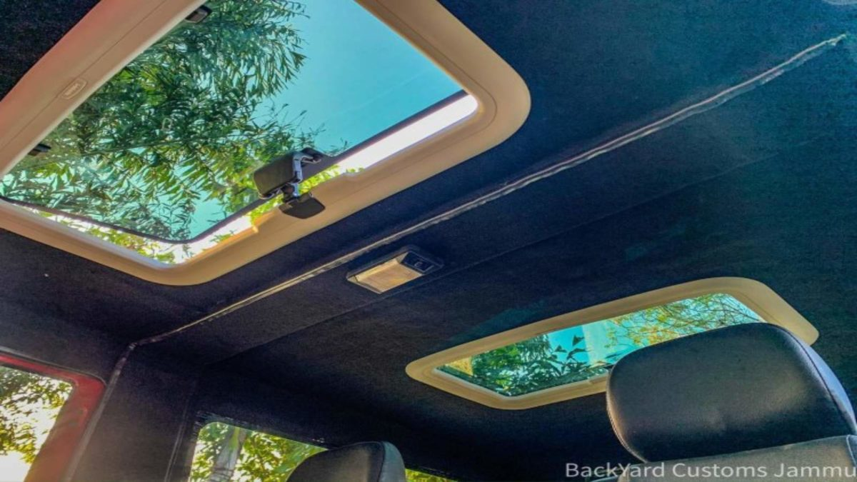 Thar modified sunroof