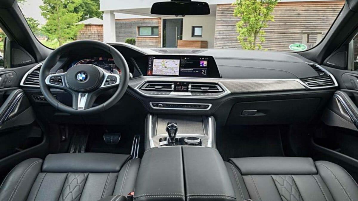 2020 BMW X6 interior (1)