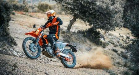 2021-KTM-500-EXC-F-dual-sport