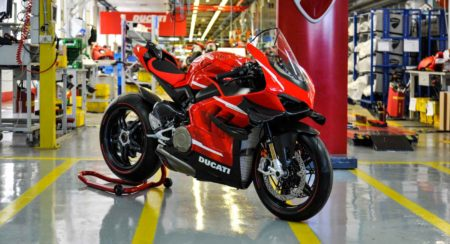 Ducati Superleggera V4 production (1)