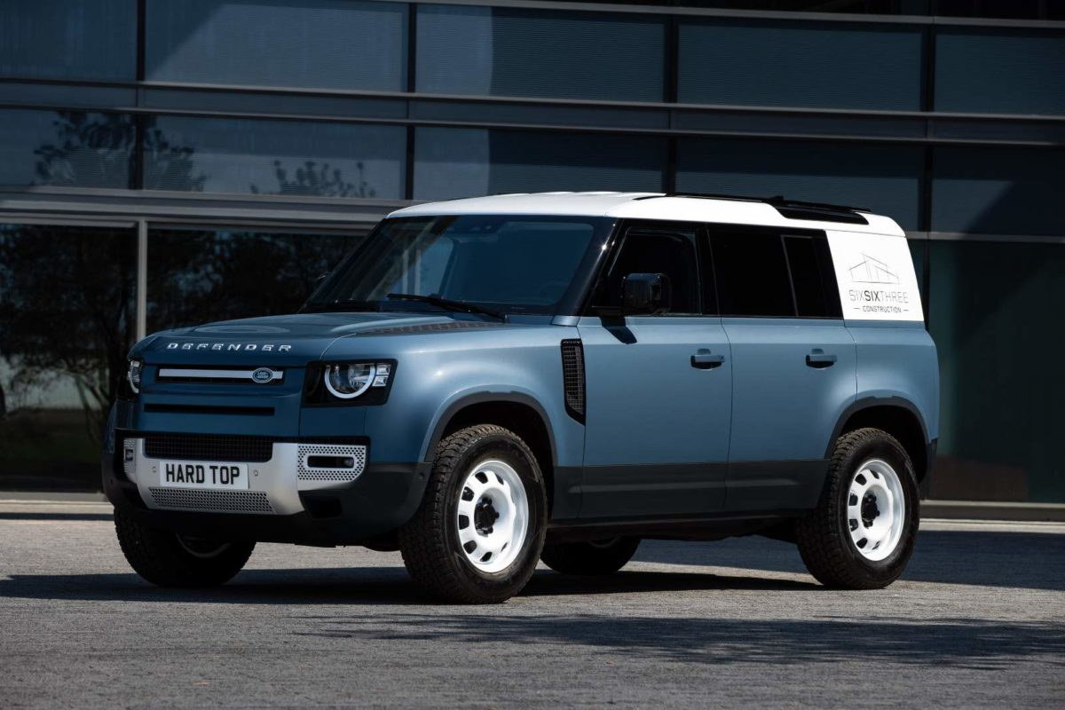 LAND ROVER DEFENDER MEANS BUSINESS AS HARD TOP NAME RETURNS FOR NEW COMMERCIAL – 2 (1)