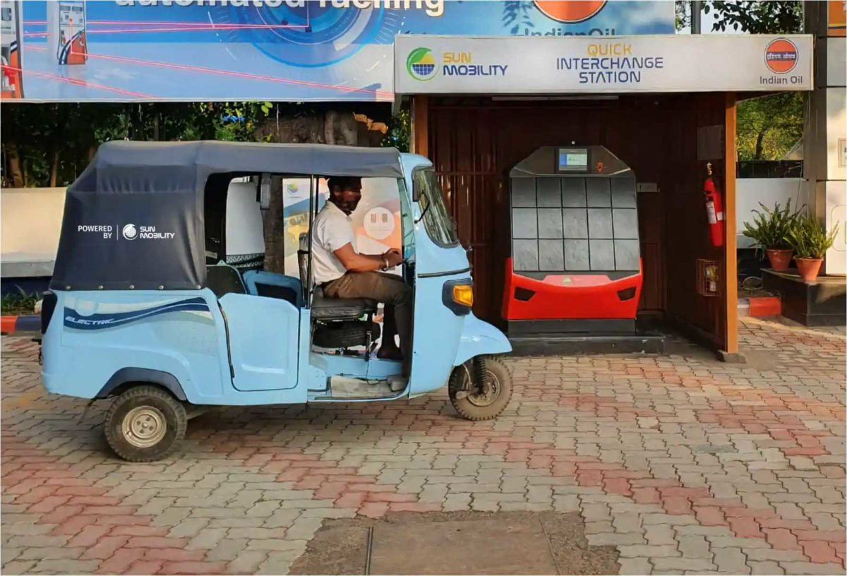 SUN_Mobility_Quick_Interchange_Station_at_IOCL_pump,_Chandigarh_1593169680110