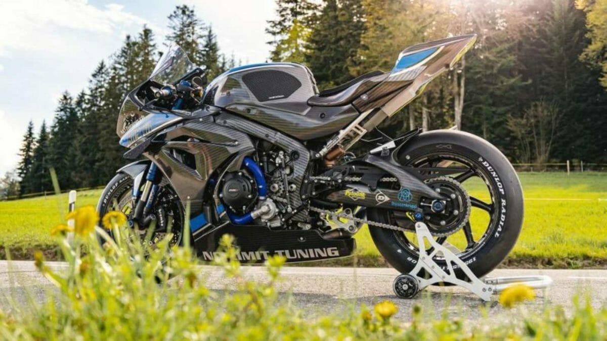 Suzuki GSX R1000 Carbon Fibre 1
