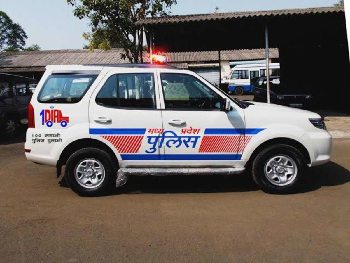 tata safari cop car (1)