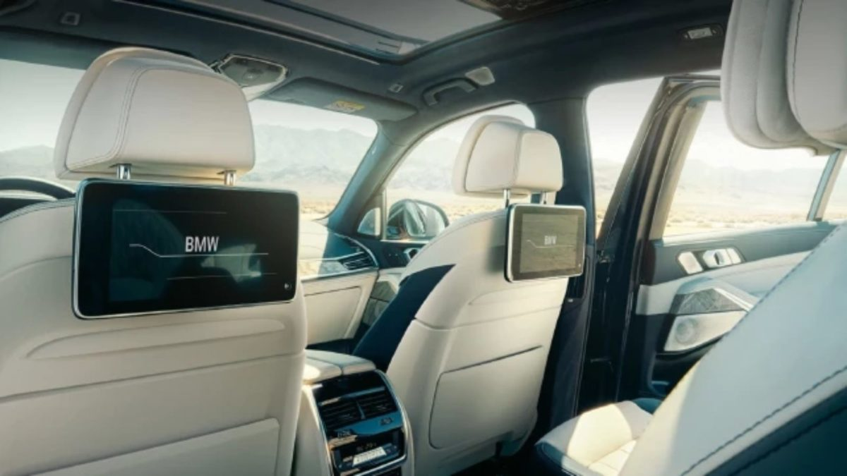 x7 interior front seat headrest