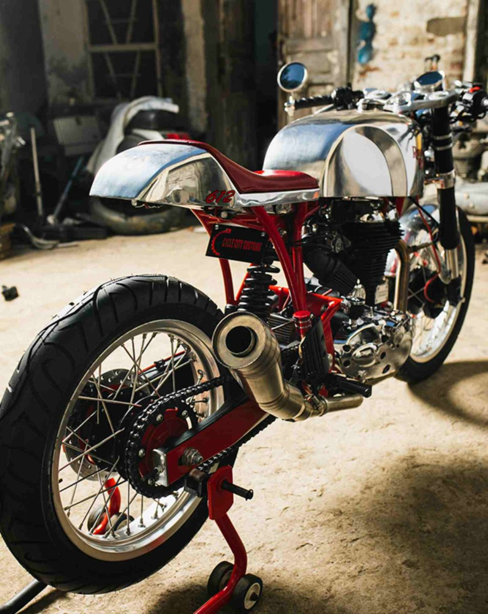 Custom Royal Enfield Vajra (2)