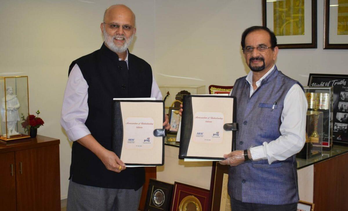 Dr. Pramod Chaudhari, Founder & Excutive Chairman, Praj Industries with Mr. N V Marathe, Officiating Director, ARAI
