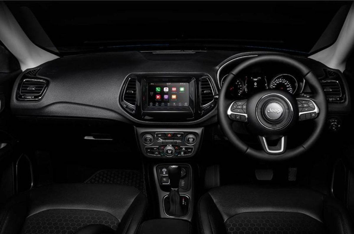 Jeep Compass Night Eagle dashboard (1)