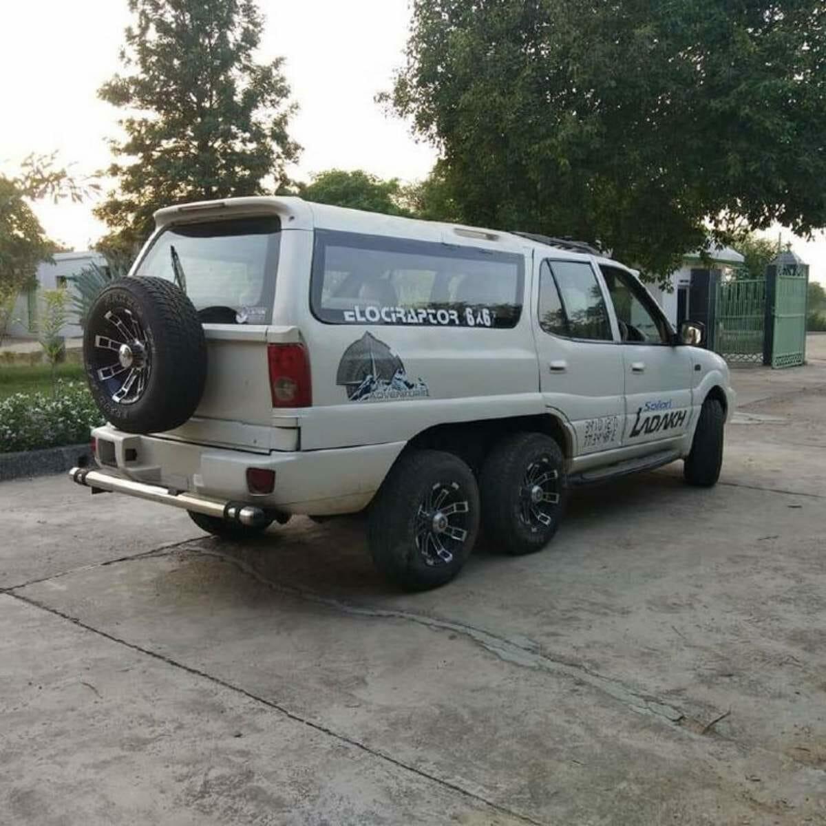 Tata Safari 6X6 Back (1)