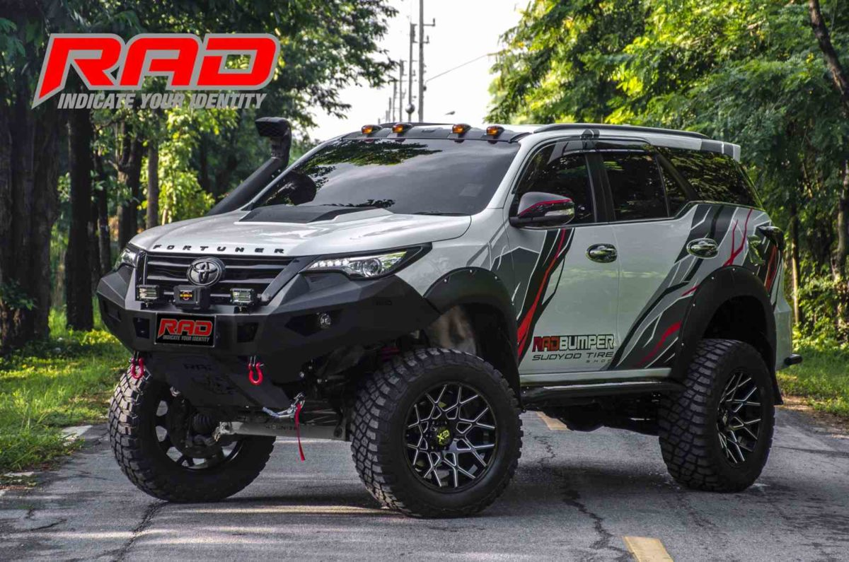 Toyota Fortuner RAD Right Front