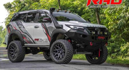 Toyota-Fortuner-RAD-front-quarter
