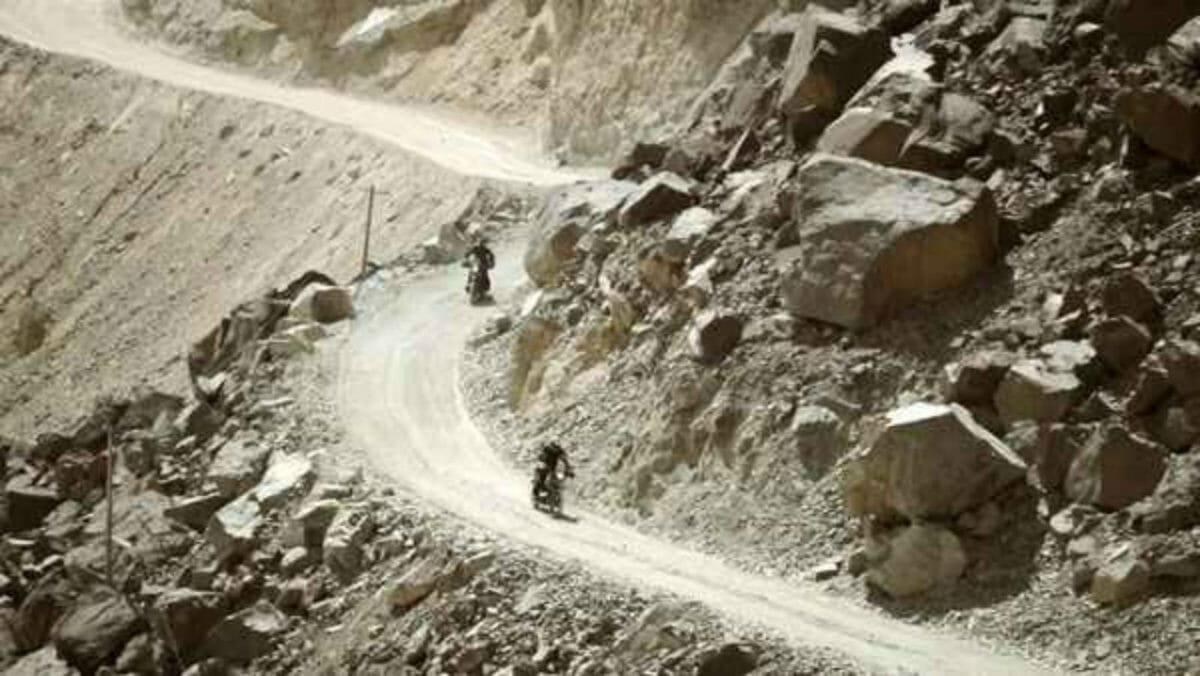xindian army rides royal enfield himalayan3