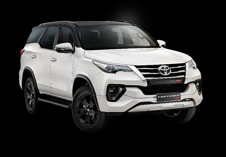 2020 Toyota Fortuner TRD Edition (2)