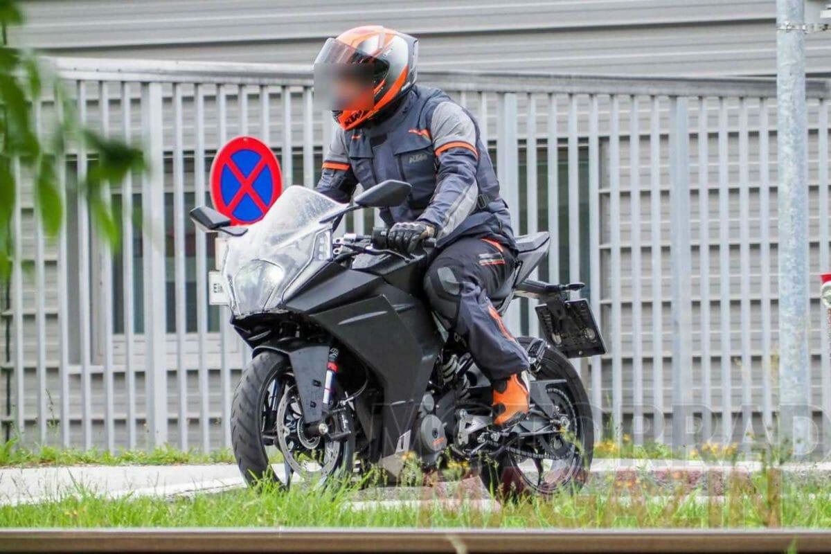 2021 KTM RC 390 spied
