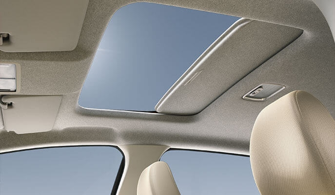 BS6 Honda Jazz sunroof