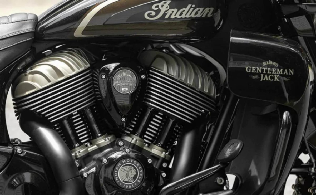 Indian roadmaster jack daniels edition (1)