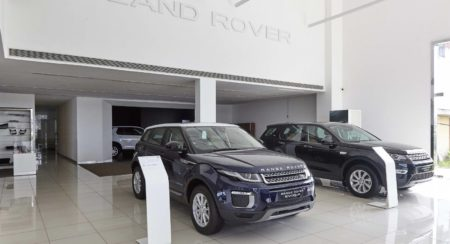 Jaguar land rover new retail facility (2)