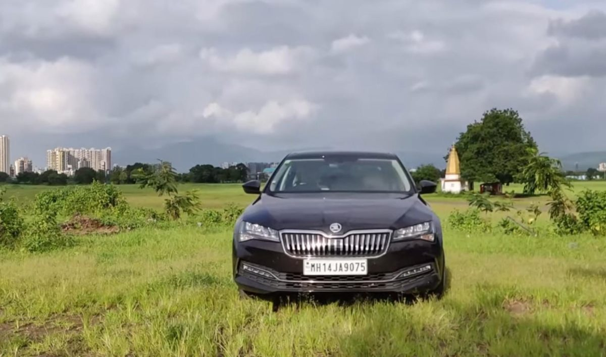 2020 Skoda Superb review (4)