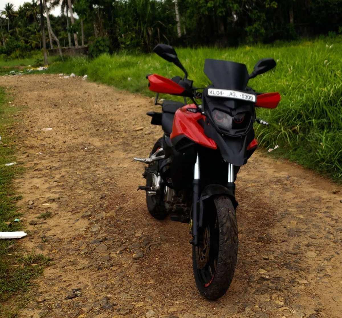 Bajaj Pulsar NS 200 modified