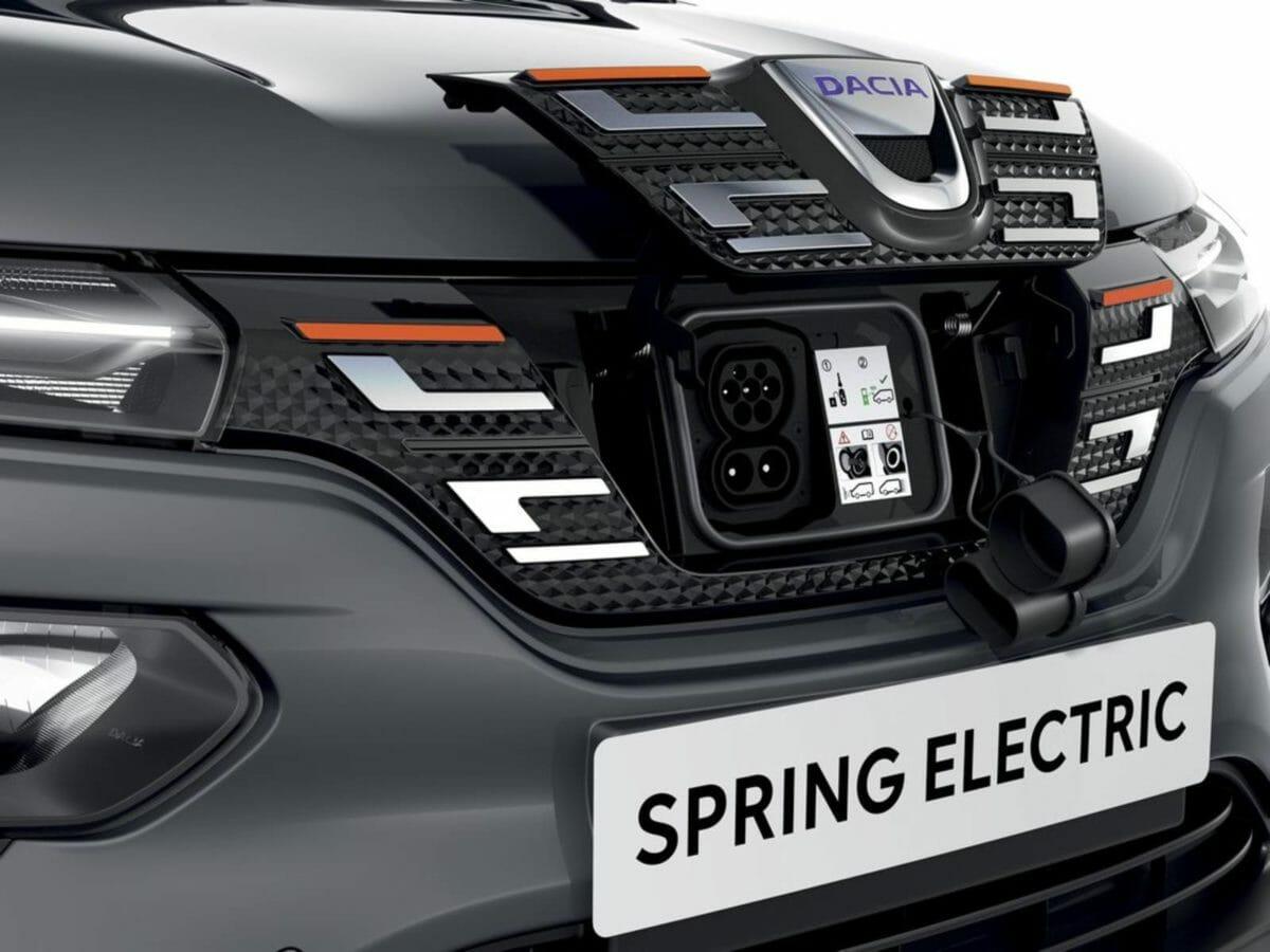 Renault Kwid EV Charging Port (1)