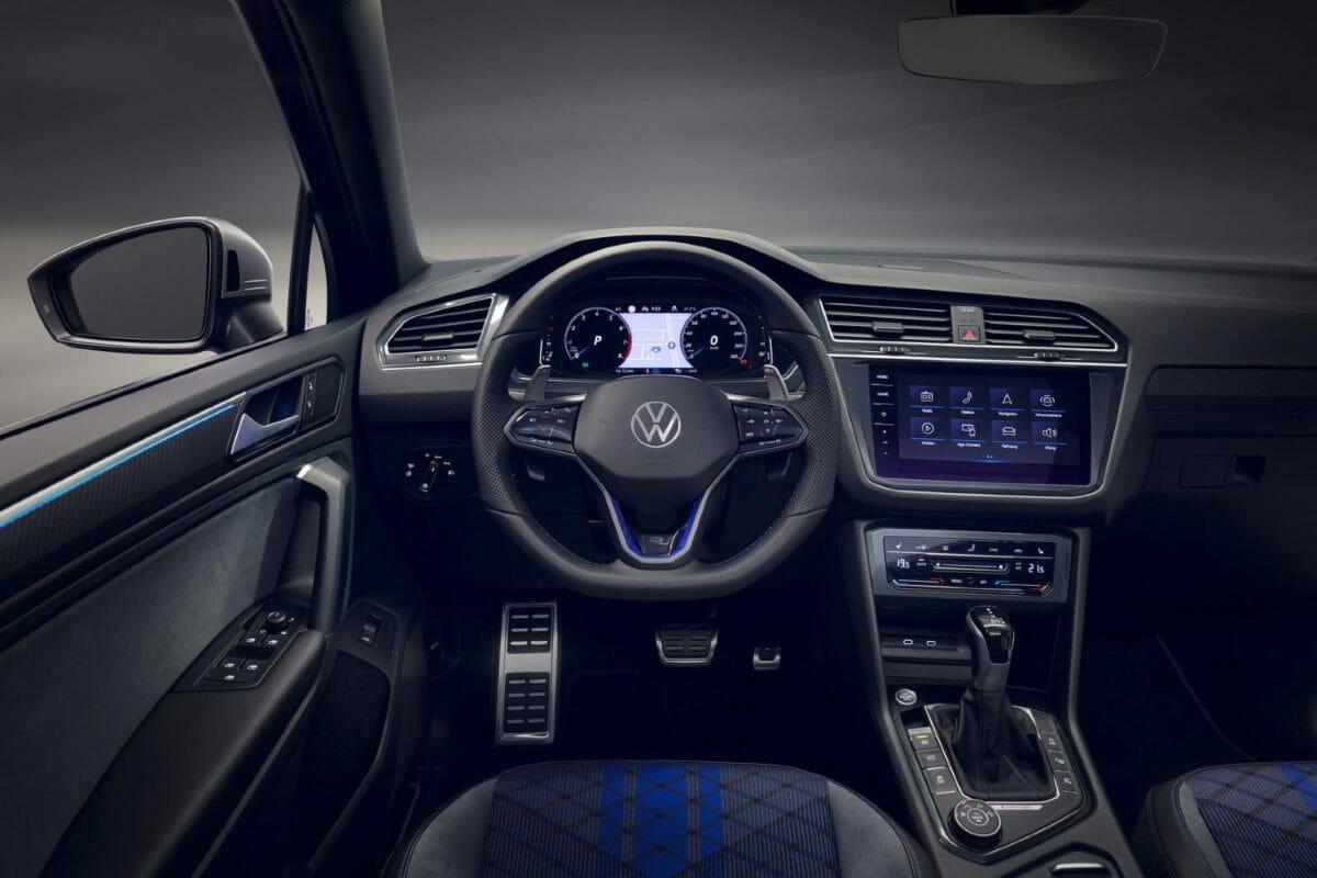 2021 Volkswagen Tiguan R (1)