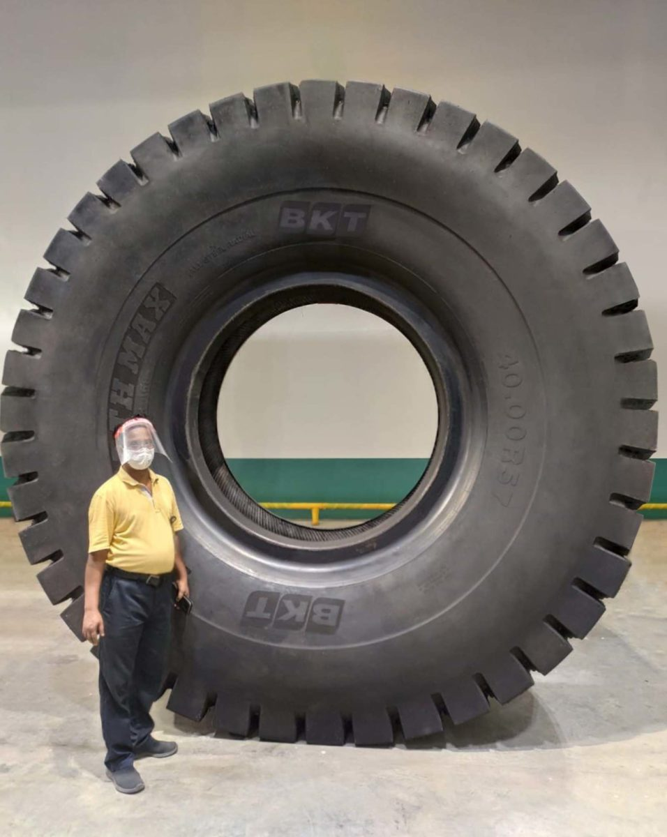 BKT 57 inch tyre (1)